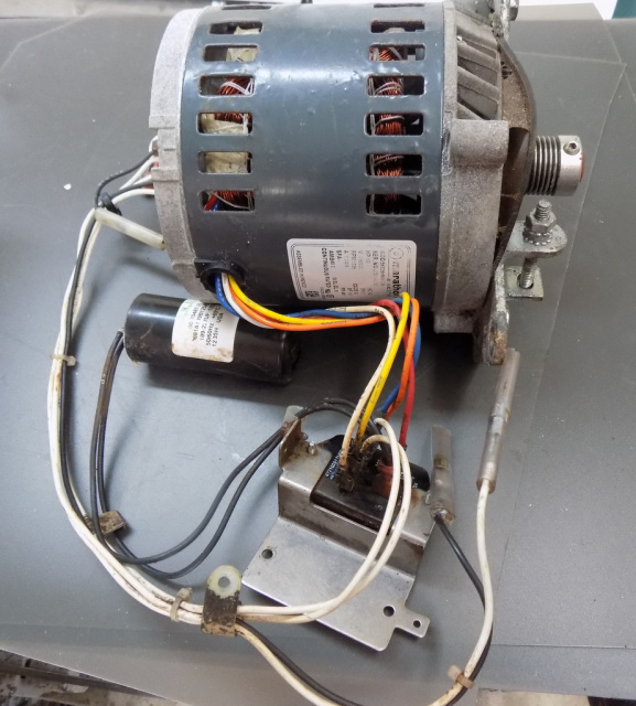 Hobart Meat Slicer 2000 Series Motor 115 Volt 60 HZ 00-438846-00001-Start Switch -00-271612-00002, C