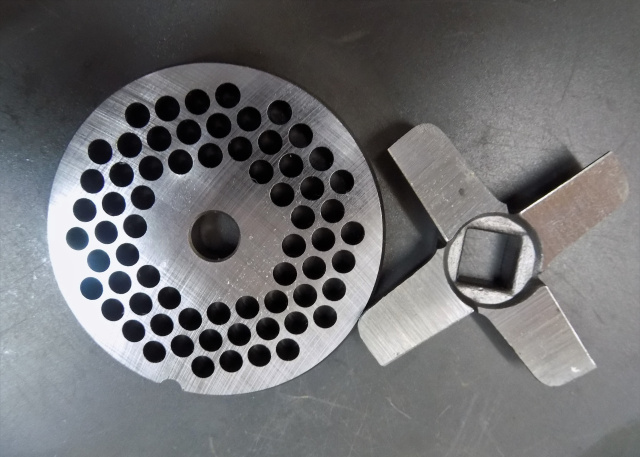 #12 Meat Grinder German Made Reversible 3/16 Grinder Plate With German Made Knife Will Fit all #12 M